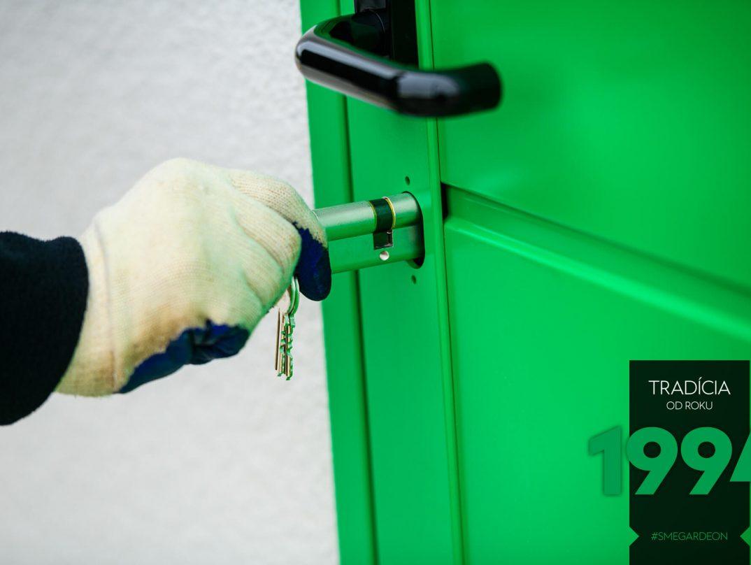 Zámka na zelených dverách GARDEON