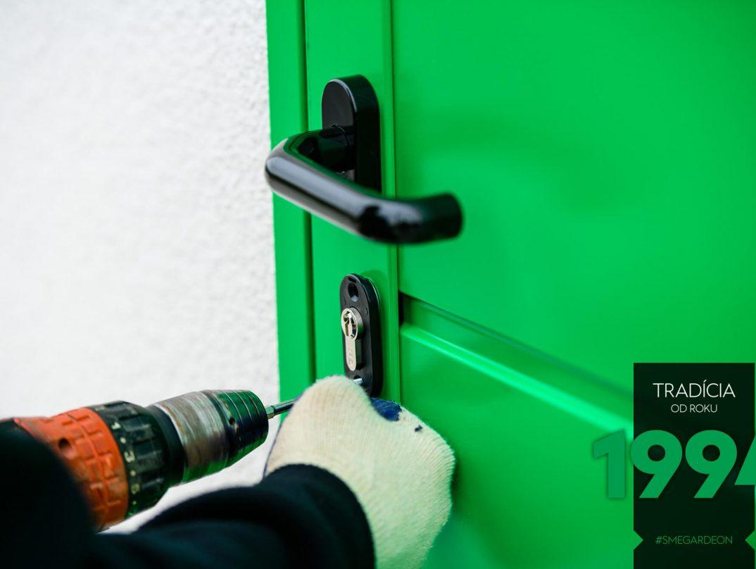 Vŕtanie zámky zelených dverí GARDEON