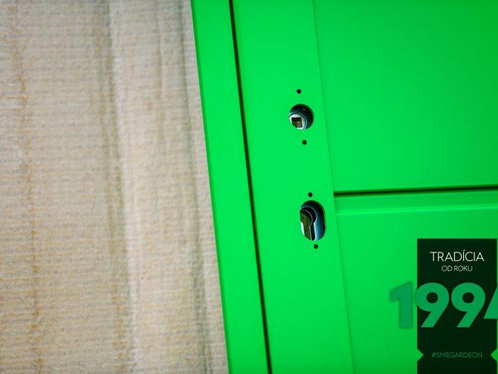 Zelené dvere GARDEON bez kľúčky a zámky