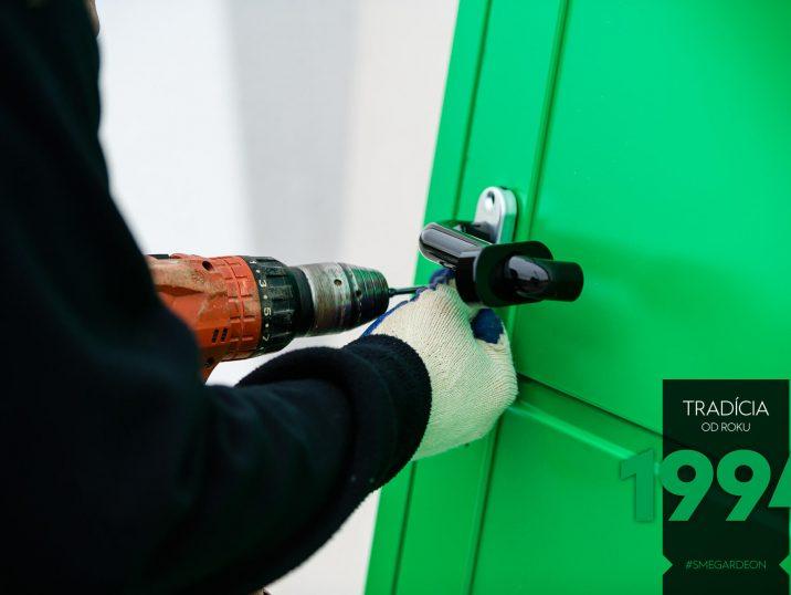 Kľúčka na zelených dverách GARDEON