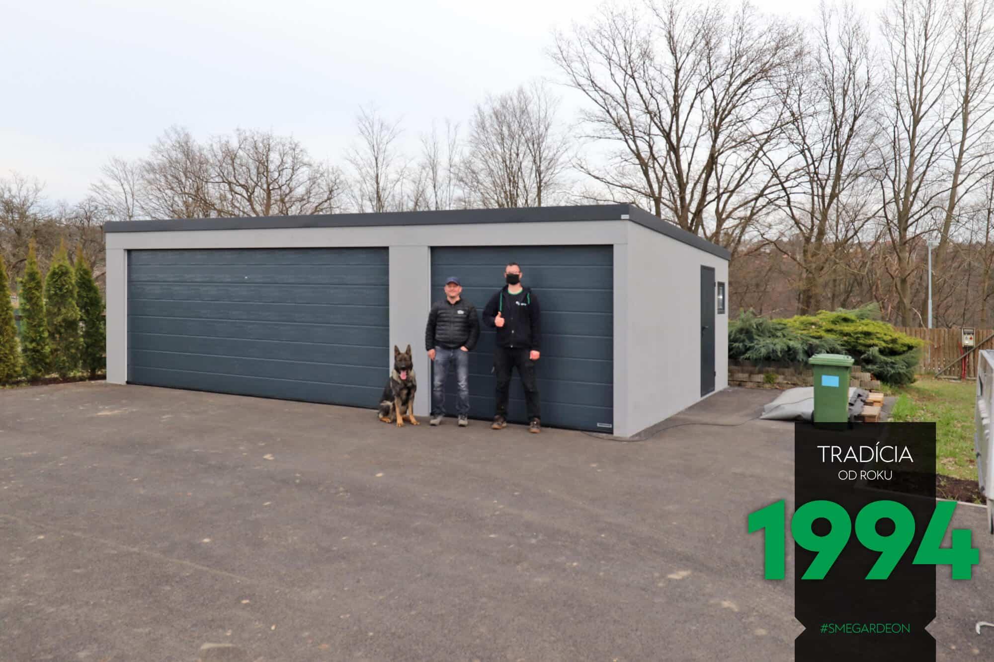 Dvojgaráž spolu s garážou pre jedno auto