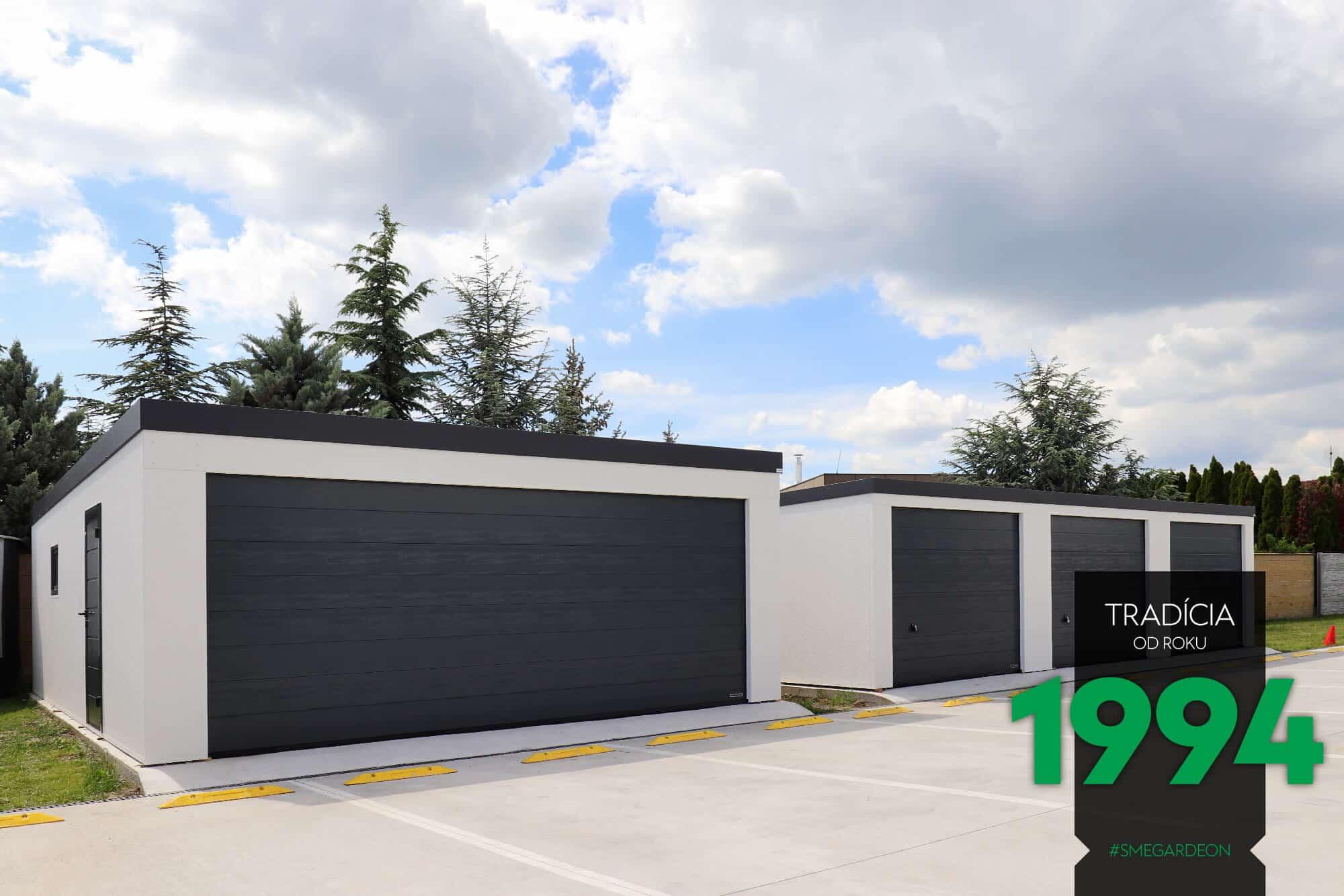 Dvojgaráž a radová garáž pre tri autá
