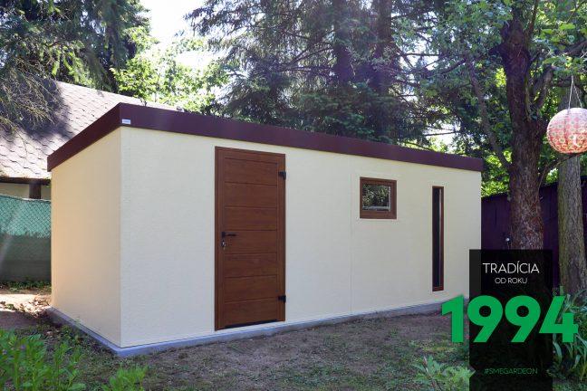 Záhradný domček s dverami, oknom a svetlíkom