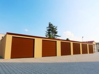 Radové plechové garáže s bránami Hormann