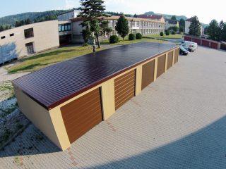 Montované radové garáže s rovnou strechou