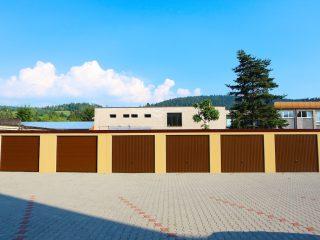 Výstavba radových garáží s pultovou strechou