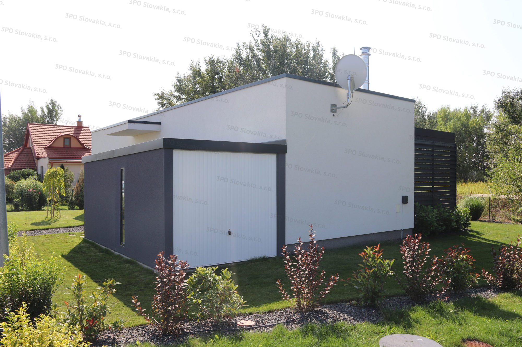Montovaný záhradný domček s bielou výklopnou bránou Hormann Berry