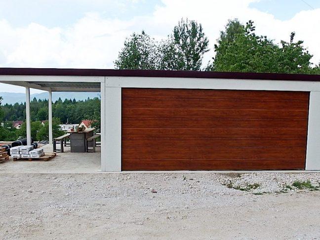 Montovaná dvojgaráž so širokou bránou Hormann
