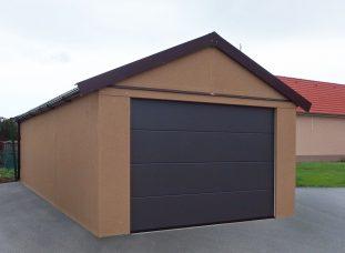 Plechová garáž so sedlovou strechou