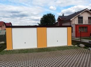 Montovaná plechová garáž pre dve autá