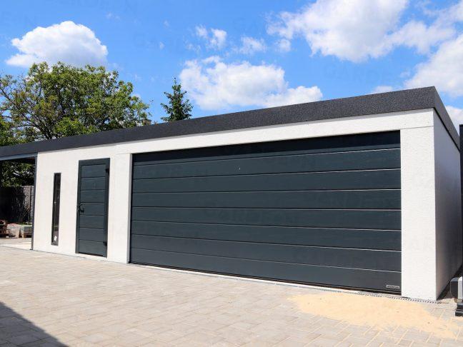Atypická garáž na mieru v bielej omietke