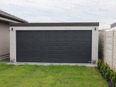 Dvojgaráž v svetlo-sivej omietke s rovnou strechou v antracitovej farbe