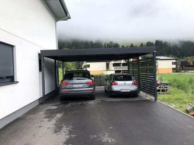 Dve autá zaparkované v prístrešku GARDEON