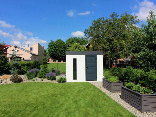 Bielo-sivý záhradný domček GARDEON na záhrade