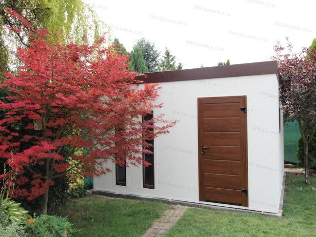 Montovaný záhradný domček GARDEON v bielej omietke s hnedou strechou