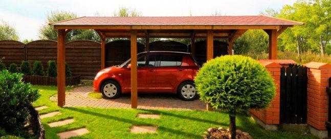 Drevený prístrešok pre jedno auto