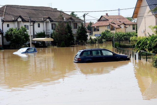 Potopené auto vo vode