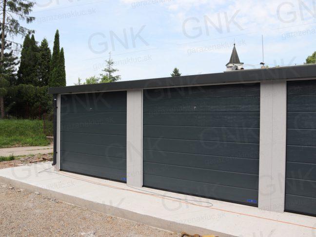 Montovaná radová garáž pre viac automobilov