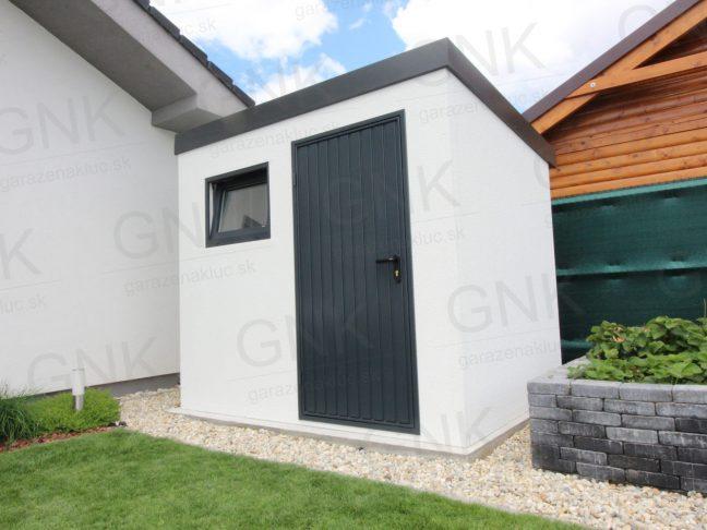 Záhradný domček na náradie s antracitovými dverami Hormann motív m902