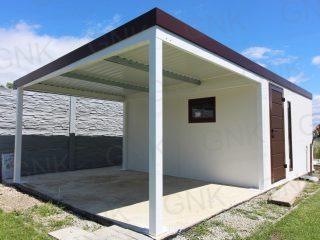 Montovaný záhradný domček s prístreškom na ľavej strane