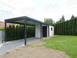 Moderný záhradný domček s prístreškom pre jedno auto