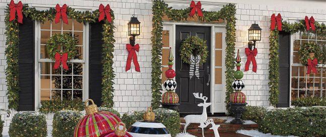 Vianočné dekorácie na rodinnom dome
