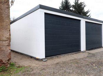 Garáž pre tri autá s garážovými bránami Hormann