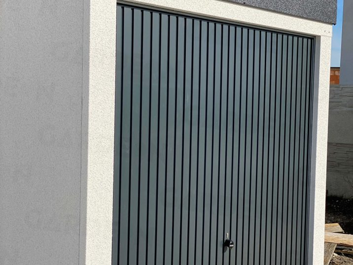 Výklopná garážová brána Hormann Berry