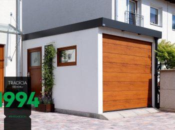 Montovaná garáž s hnedou garážovou bránou